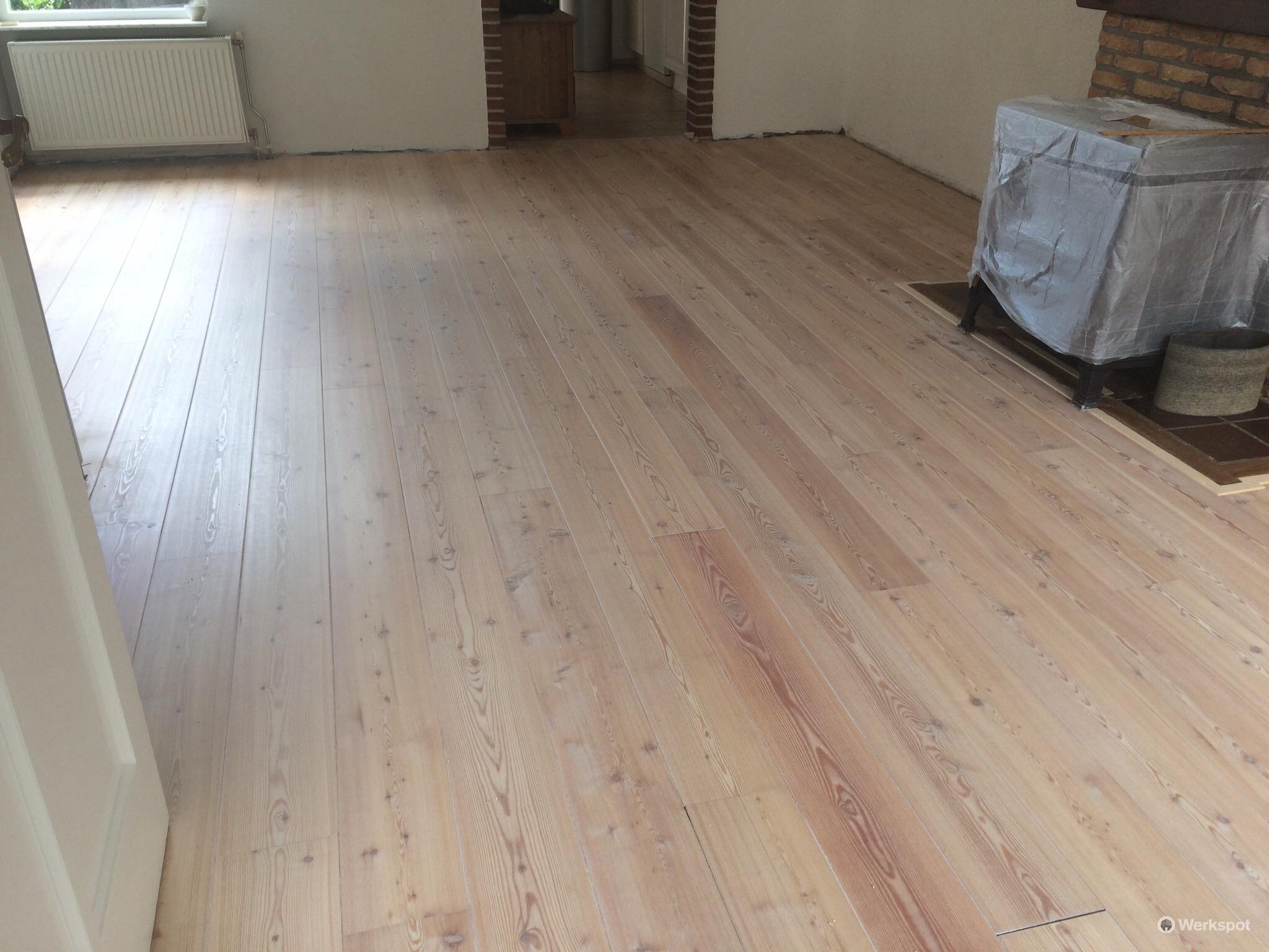 Grenen vloer schuren en in olie zetten werkspot