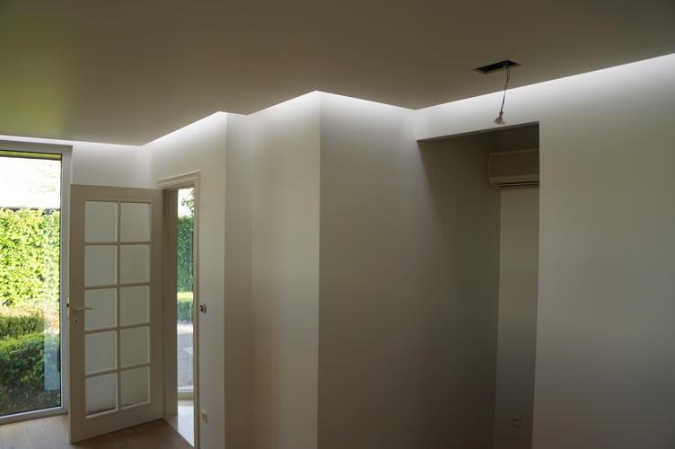 verlaagd plafond met indirecte verlichting werkspot