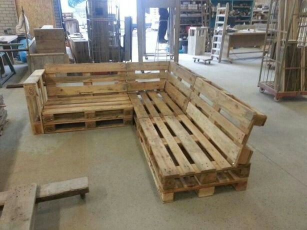 Zeer SPOED: hoekbank + salontafel van pallets maken, hout afwerken VP29