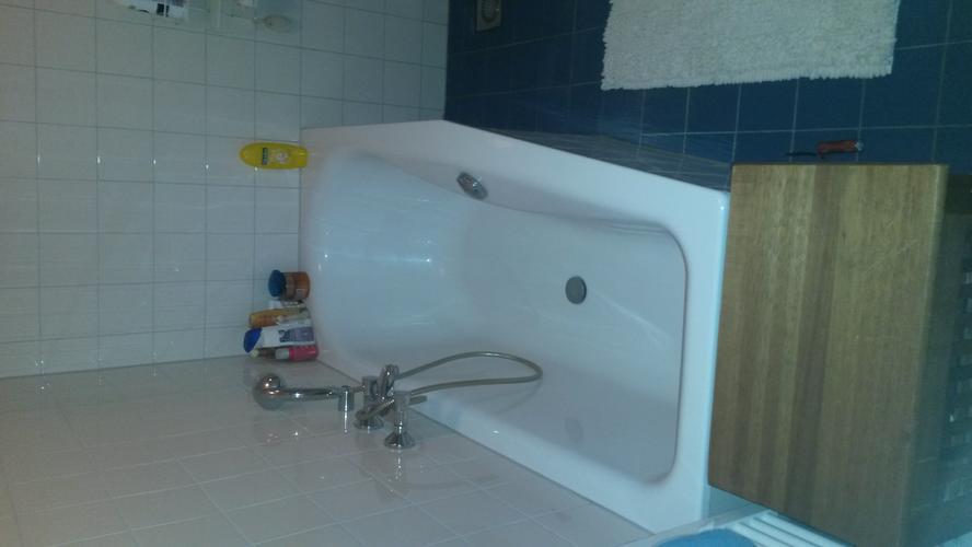 Badkamer Deels Betegelen : Badkamer gedeeltelijk betegelen over bestaande betegeling