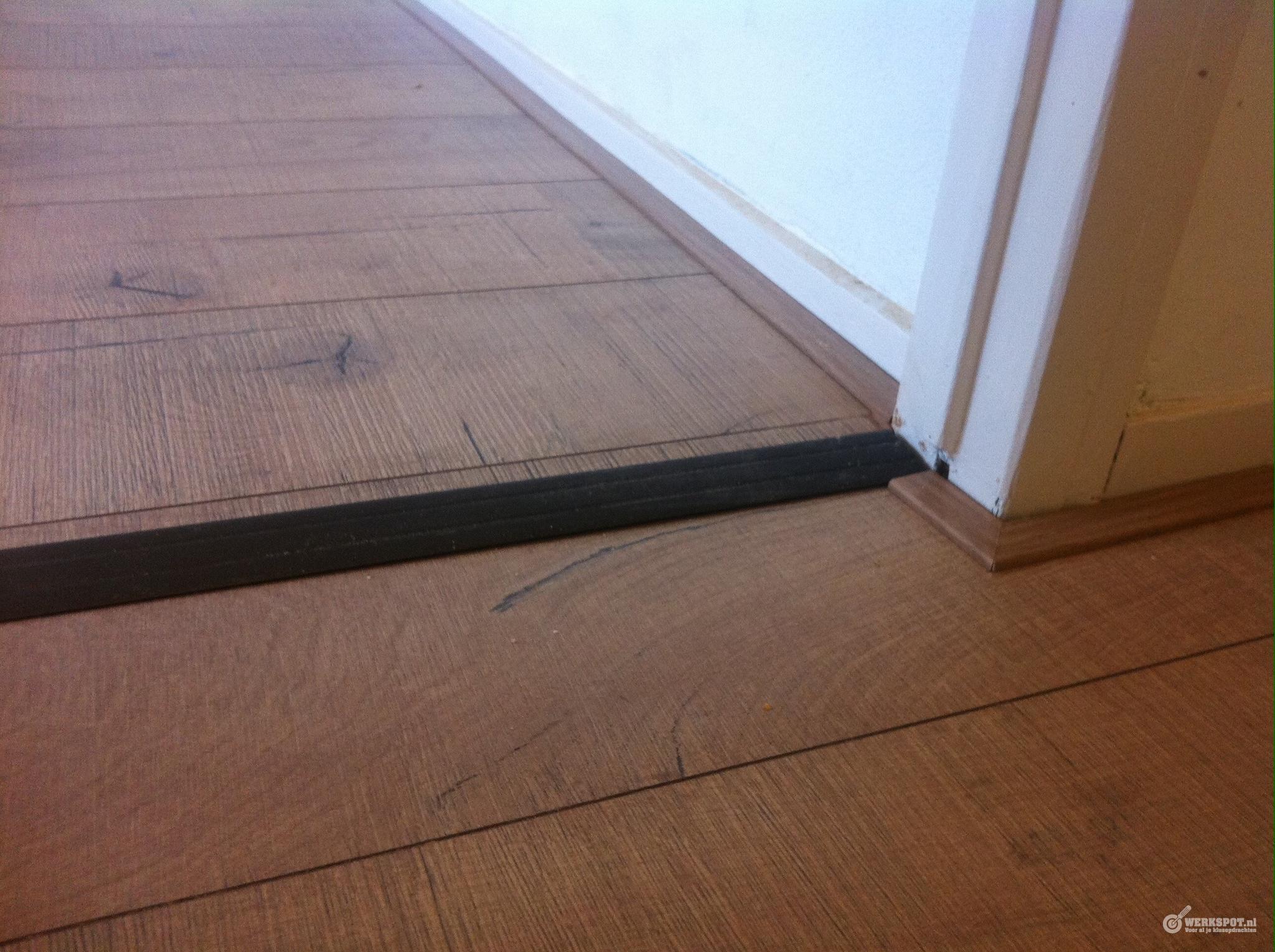 laminaat leggen incl ondervloer en plinten in appartement 63 m2