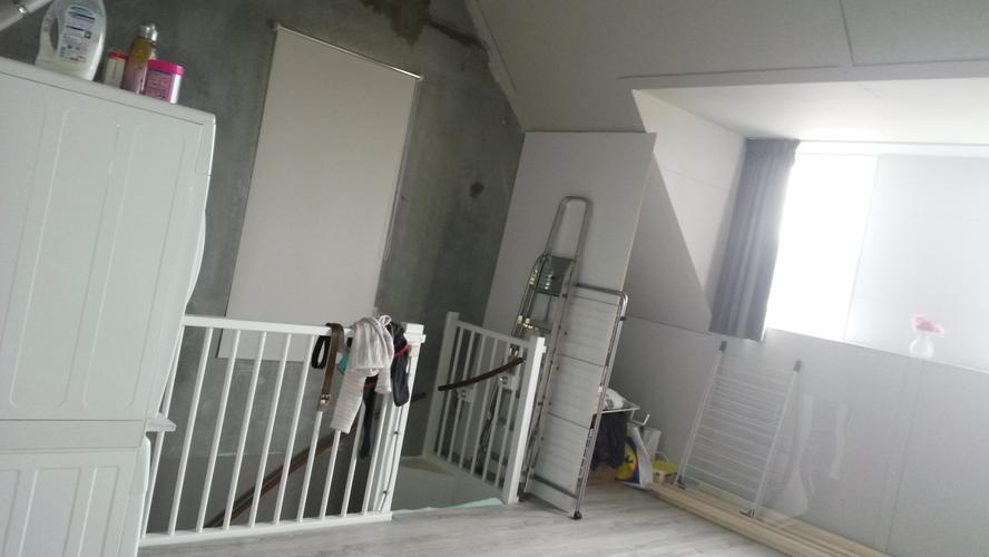 Plaatsen wanden en vide op zolder werkspot - Trap toegang tot zolder ...
