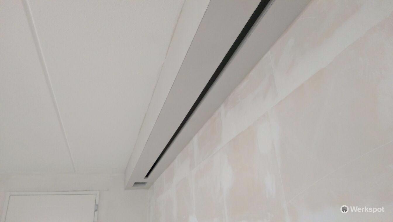 koof met verlichting in keuken & woonkamer (met opening projectiesc ...