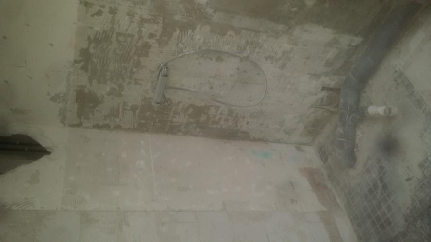 Cement Stucen Badkamer : Stucen badkamer wanden en 1 slaapkamerwand werkspot
