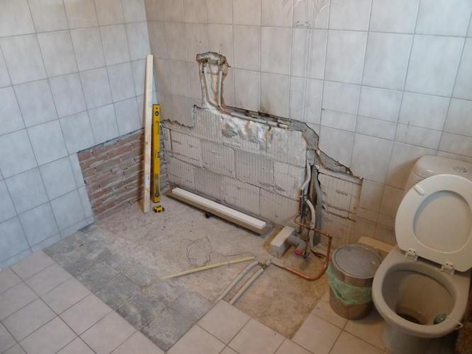 Inloopdouche Vloer Maken : Vlak maken muur voor tegelwerk werkspot