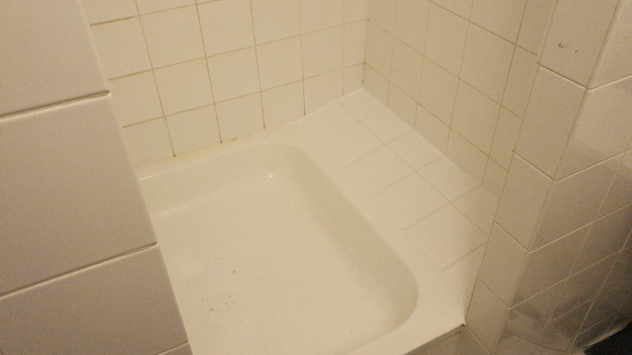 Renovatie Badkamer Tegels : Kleine renovatie badkamertegels 0.5m2 werkspot