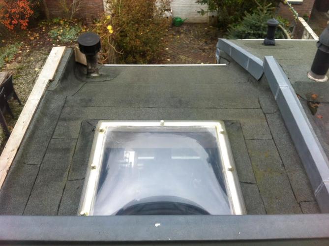 Glas in plat dak plaatsen openbreken muur nieuwe trap for Nieuwe trap laten plaatsen