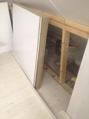 Schuifdeurtjes maken onder schuine wand zolder werkspot - Zolder stelt fotos aan ...