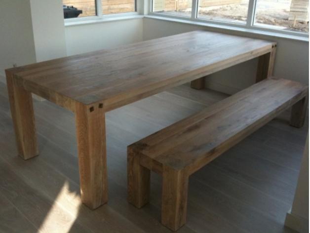 Houten gezins tafel met bankje   Werkspot