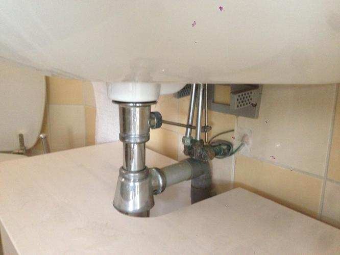 Plaasten Daalderop Boiler op wastafel Badkamer - Werkspot