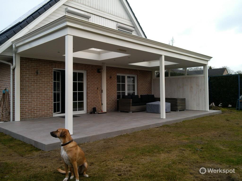 Plaatsen van een houten terrasoverkapping werkspot - Een terras aan het plannen ...
