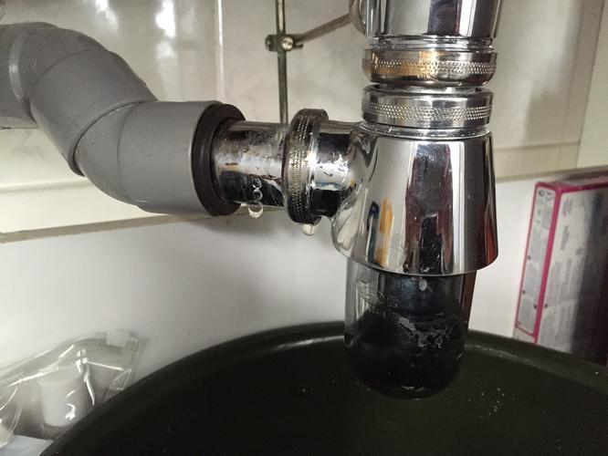 Wasbak 1 Meter : Reparatie zwanenhals wasbak badkamer werkspot