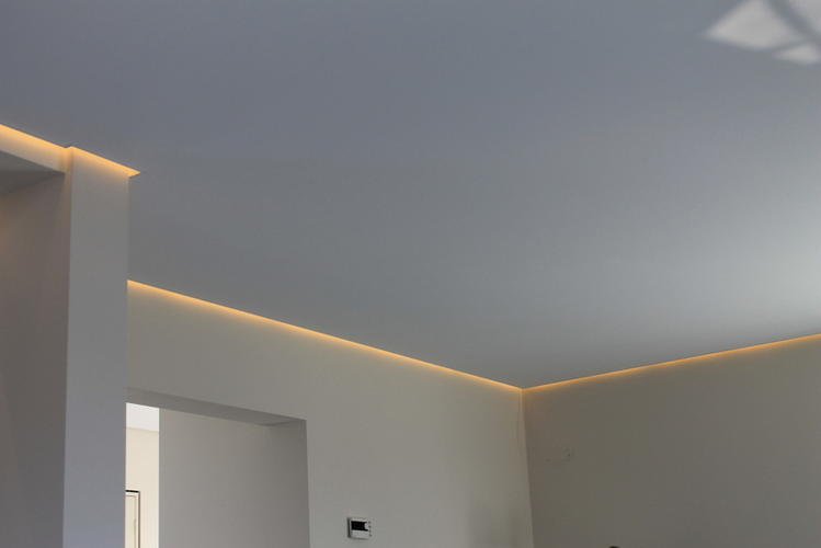 plafond verlagen met led verlichting werkspot. Black Bedroom Furniture Sets. Home Design Ideas