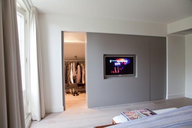 Wandmeubel Bestaande Uit Een Eetkamerbank Tv Ombouw En Een