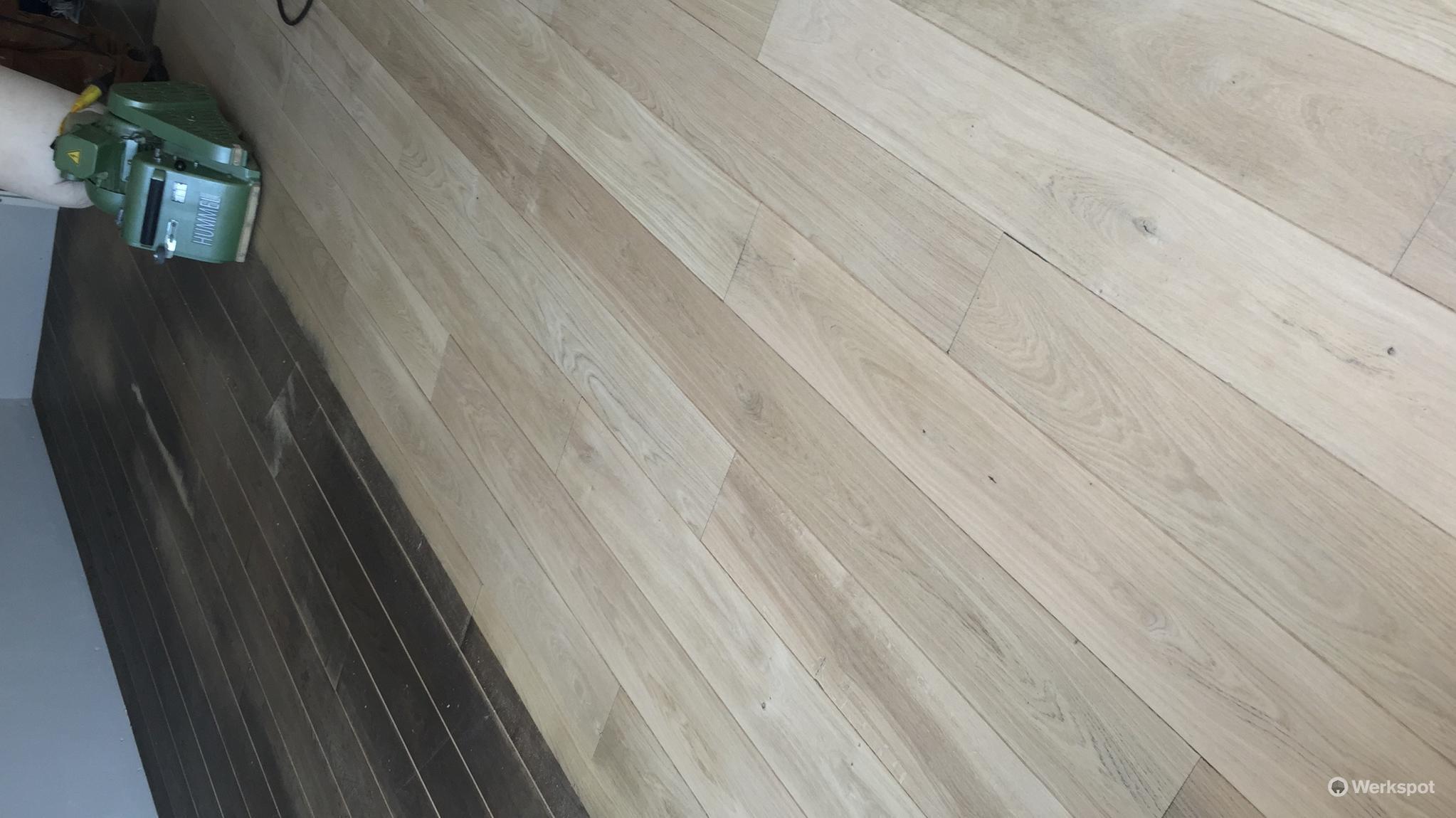 30m2 eikenhouten vloer schuren en oli n of lakken werkspot for Tafel schuren en olien