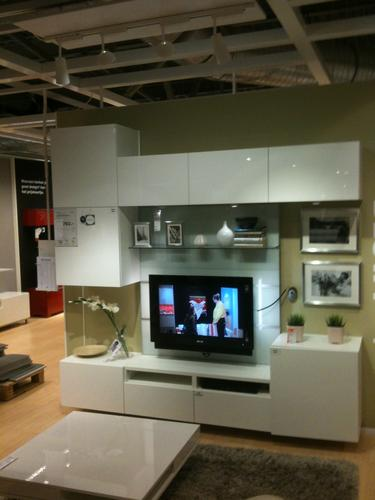 ikea besta tv opbergcombinatie monteren en ophangen werkspot. Black Bedroom Furniture Sets. Home Design Ideas