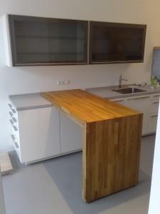 Bar voor keuken in brugconstructie maken werkspot - Luminai re voor de keuken bar ...