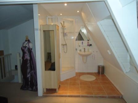 verbouwing kleine badkamer op zolder - Werkspot