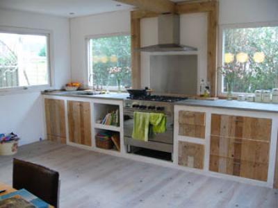 Keuken van sloophout met betongegoten of belgisch for Keuken van sloophout