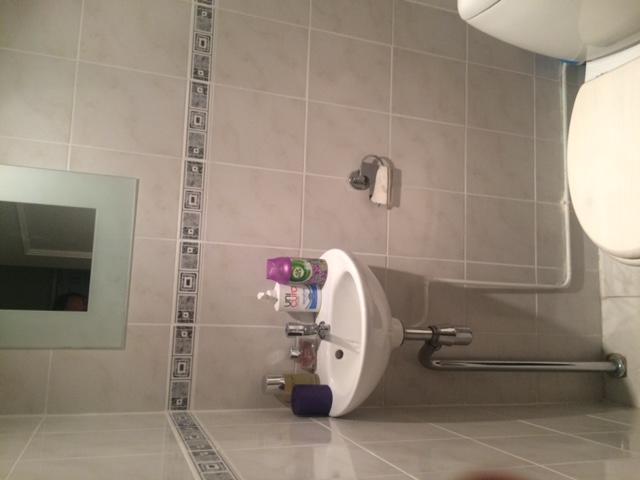Toilet betegelen over oude tegel heen plaatsen hangtoilet incl