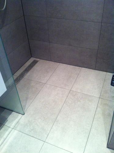 Dorpel plaatsen in douche - Werkspot