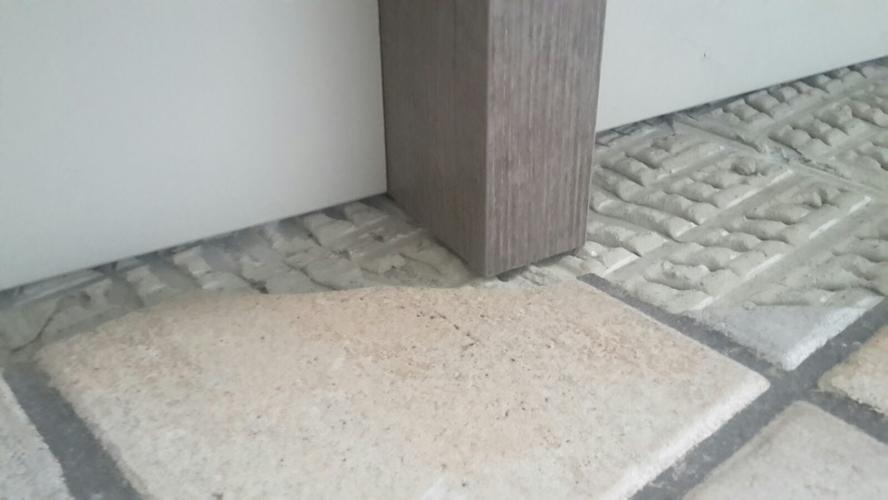 Vloer tegelen keuken en hal, inclusief verwijderen deel houten ...