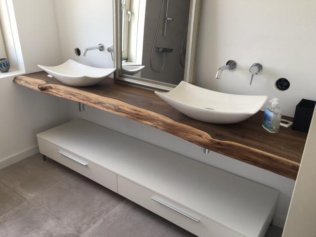 Waterdicht afkitten van badkamer 6 m2 toilet half betegeld en werkspot - Badkamer betegeld ...