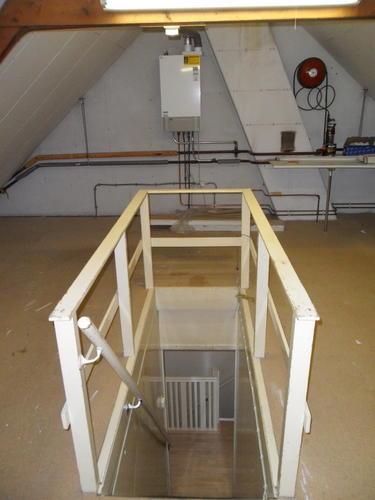 Inmeten maken en plaatsen trap naar zolder werkspot for Trap plaatsen naar zolder