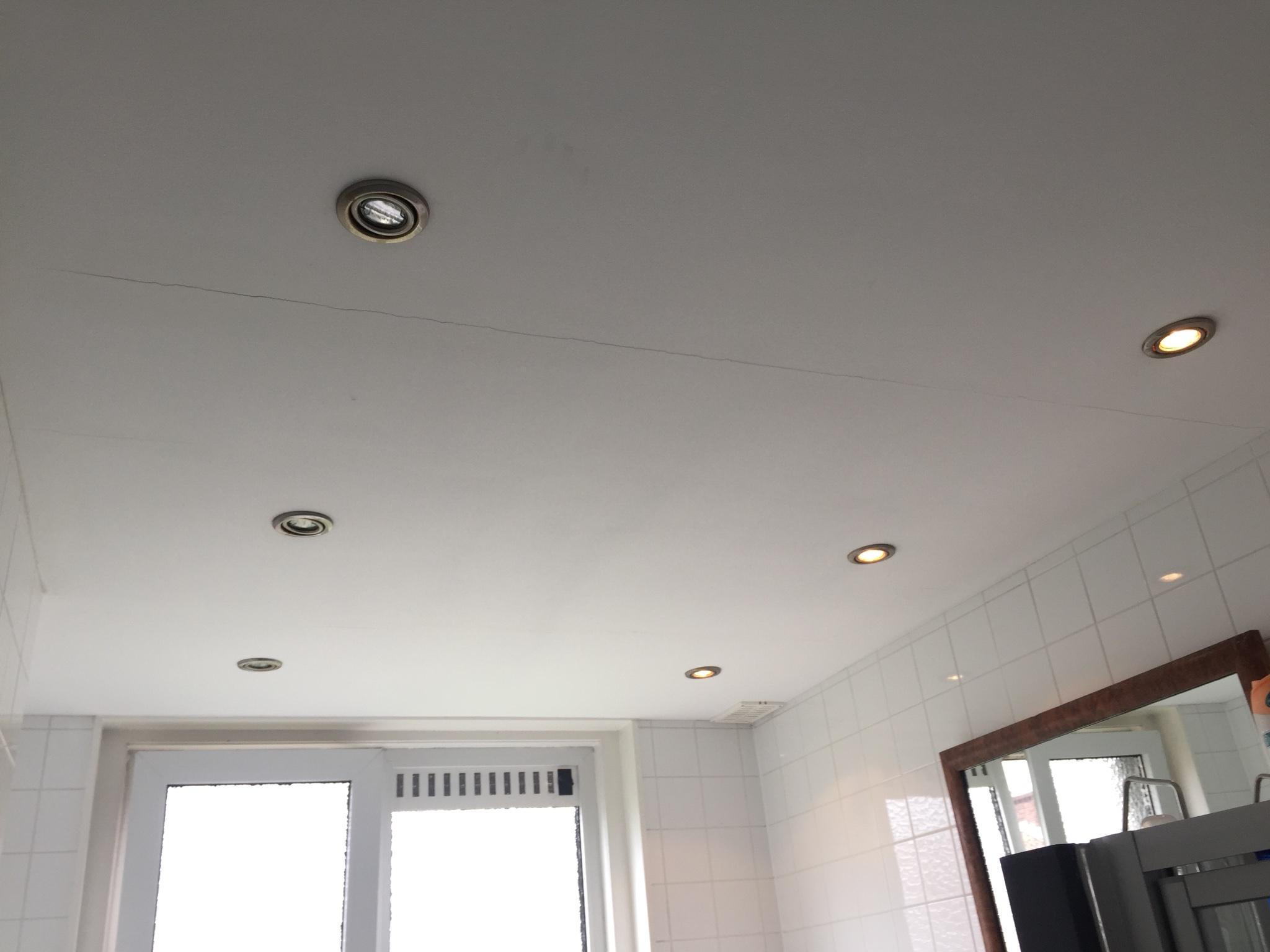 Transformator(en) vernieuwen in badkamer bij 3 halogeen spotjes ...