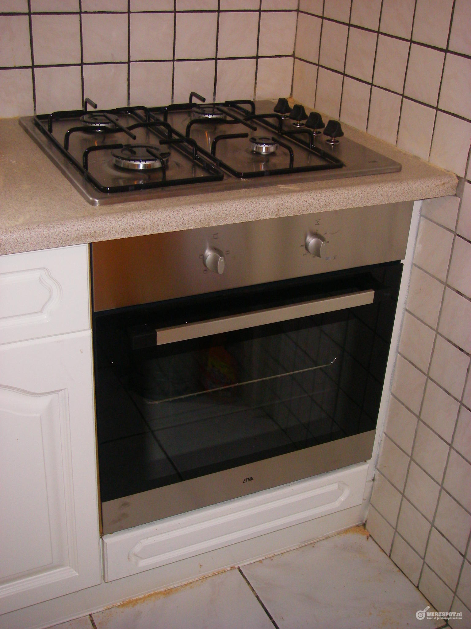 Fonkelnieuw Vervangen inbouw oven met daarop inbouw kookplaat in aanrecht PI-46
