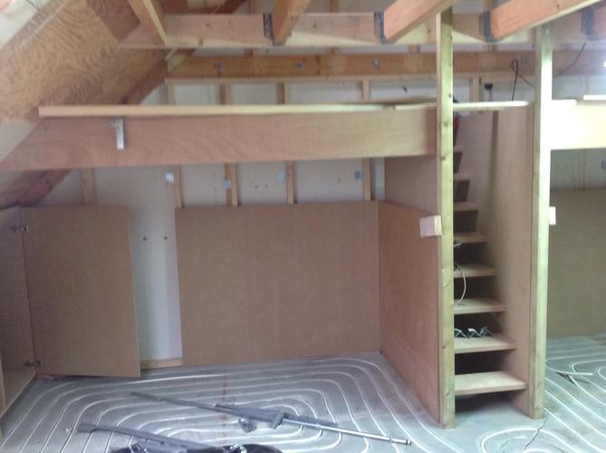 Kinderkamers Op Zolder : Zolder verbouwen tot kinderkamer werkspot