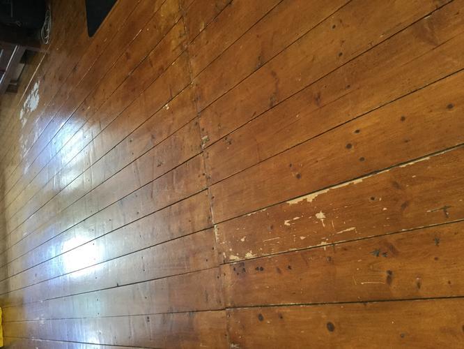 M houten vloer schuren en lakken werkspot