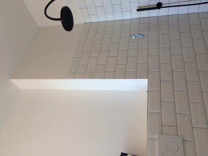 Modern Interieur 2018 » voorzetwand badkamer   Modern Interieur