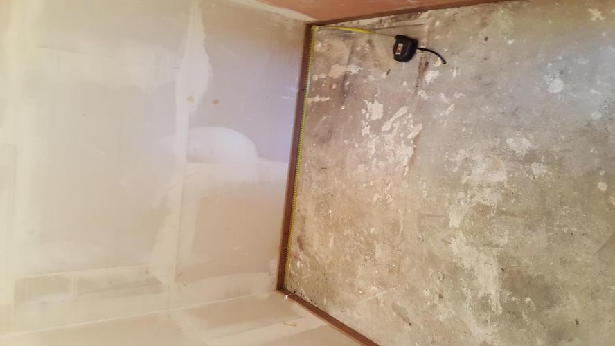 Schilderen slaapkamer 7m2, berging 1,3m2, CV-leidingen in sommige k ...