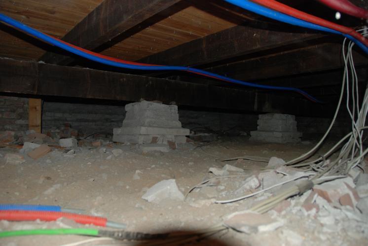 Houten vloer isoleren vanuit de kruipruimte werkspot for Houten vloer isoleren