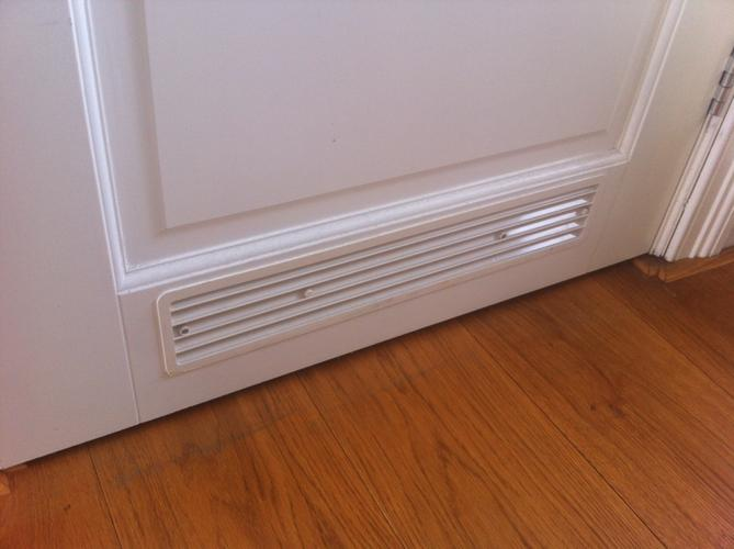 Ventilatierooster plaatsen in Badkamer en Toilet deur - Werkspot