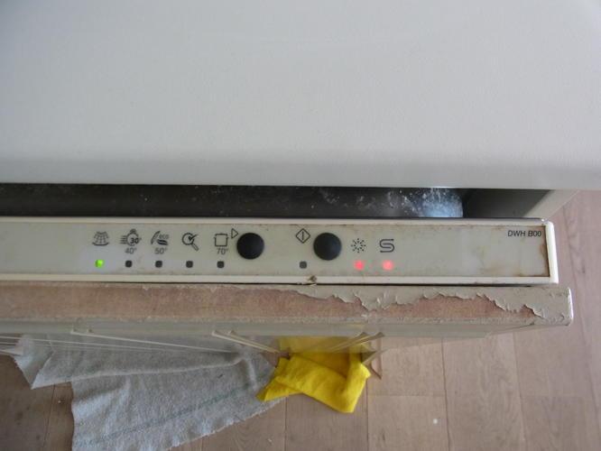 afwasmachine werkt niet meer water loopt niet weg werkspot. Black Bedroom Furniture Sets. Home Design Ideas