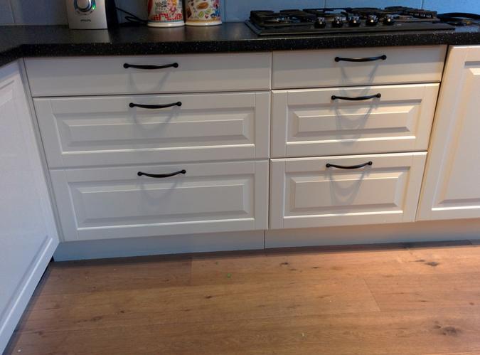 Fronten panelen en plint vervangen werkspot