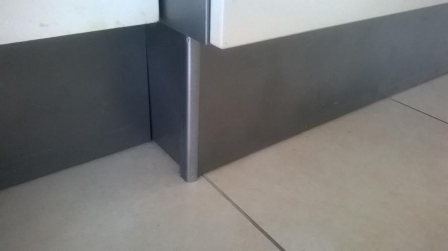 Keukenplinten vervangen werkspot
