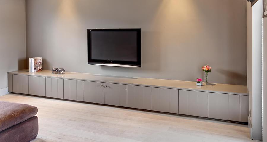 Extreem Maken tv meubel met deurtjes van muur tot muur - Werkspot @VJ46