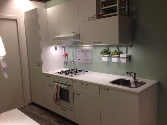 Kleine keuken slopen en plaatsen werkspot