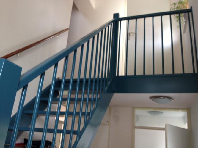 Schilderen open trap werkspot - Schilderen muur trap ...