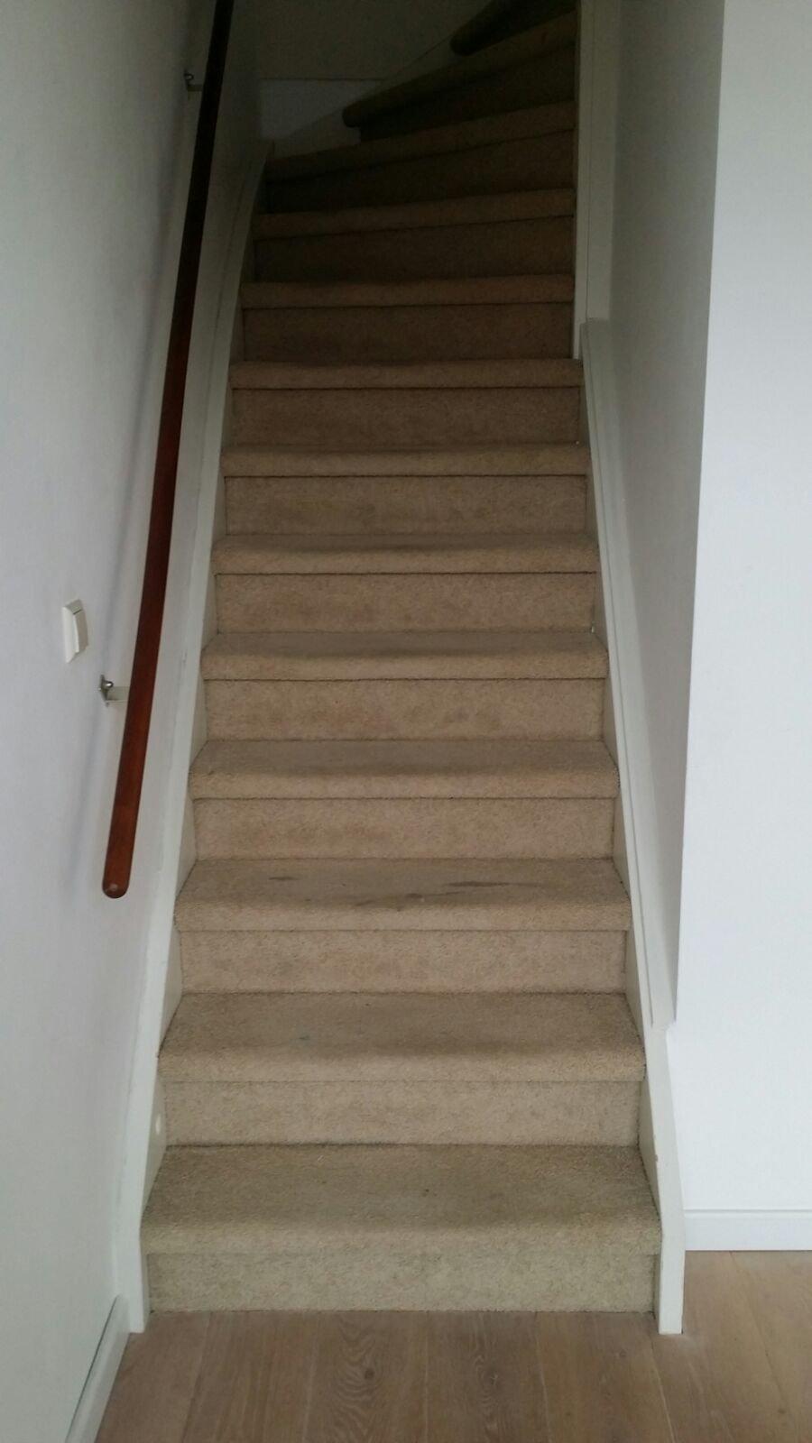 Reinigen van tapijt van het trappenhuis werkspot - Vervoeren van een trappenhuis ...