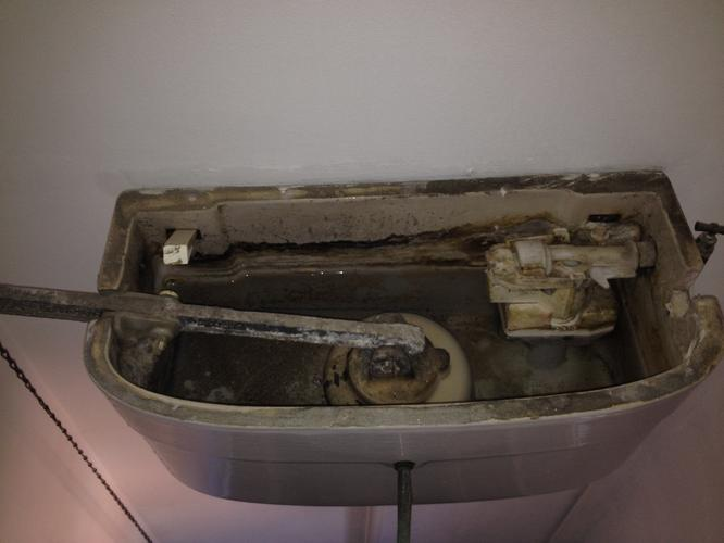 Ouderwetse Stortbak Toilet : Reparatie ouderwetse stortbak toilet werkspot