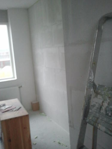Zolder muur behangklaar maken werkspot for Behangklaar