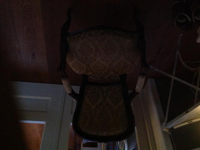 Antieke stoel stofferen en opvullen en evt schilderen werkspot