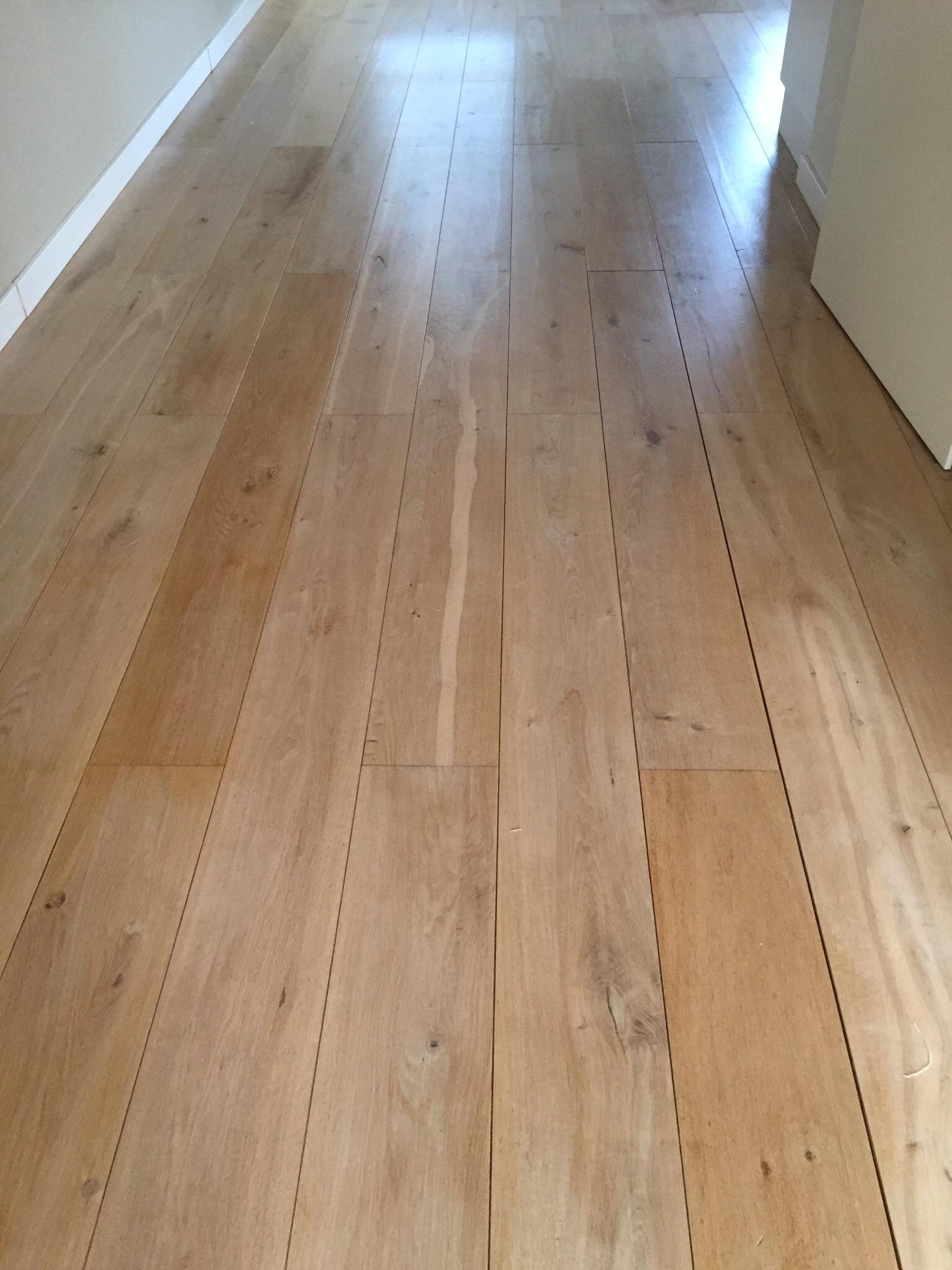 houten vloer schuren lakken plinten plaatsen werkspot