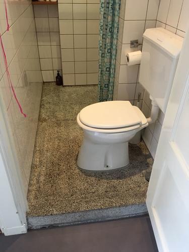 Badkamer waterdicht stucen. Incl granieten vloer opknappen. - Werkspot