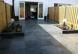 Tuin Met Tegels : Bestraten tuin met tegels van leisteen 60x60 werkspot