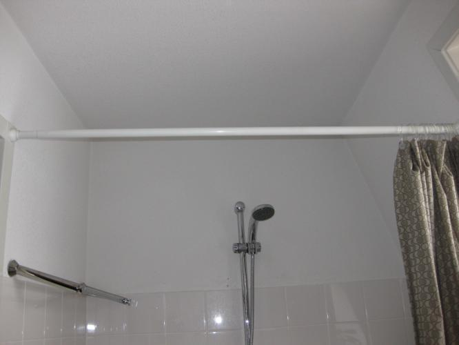 Badkamer Deels Betegelen : Badkamer gedeeltelijk betegelen werkspot